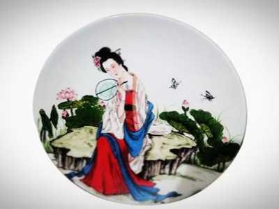如何手绘青花瓷盘画 青花瓷瓷盘